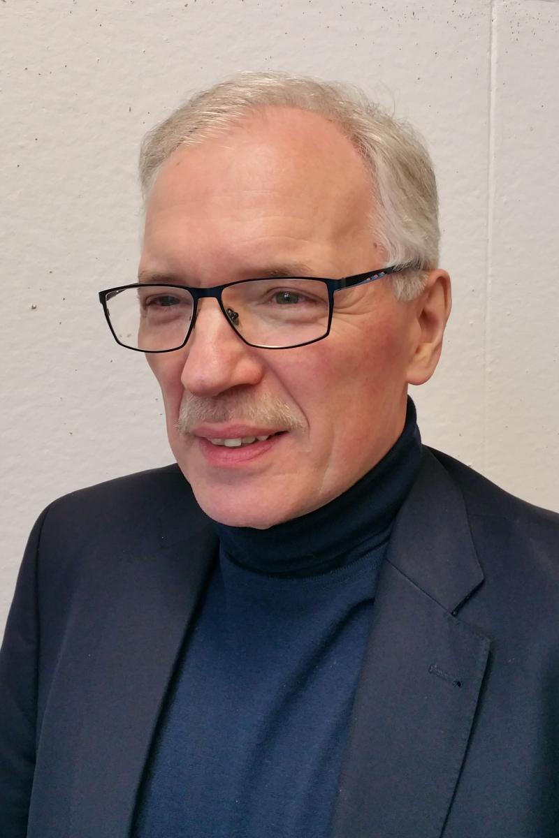 Portraitfoto Uwe Ehrhorn