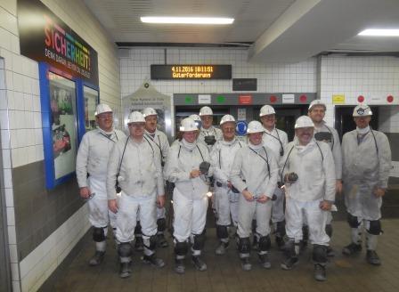 Besuchergruppe des DVW Bayern nach der Grubenfahrt