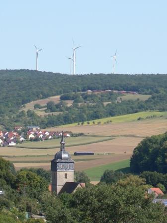 Windpark auf einem Höhenrücken nahe der Stadt Weikersheim -Quelle:Martina Klärle