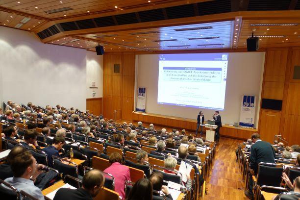 Volle Ränge im Haus der Technik (Foto: DVW NRW)